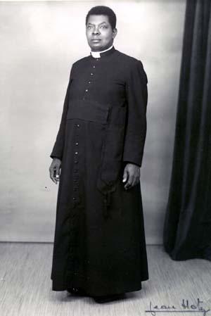 cassock_priest